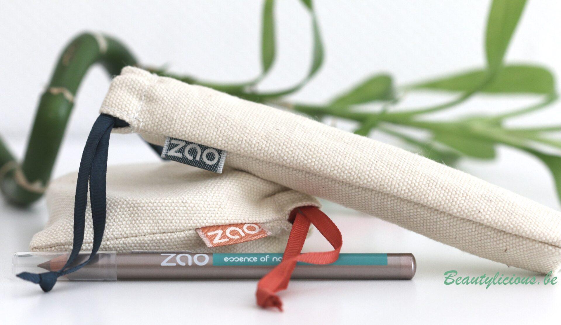 Il y a plusieurs semaines, j\u0027ai reçu du site Sebio 3 produits de maquillage  de la marque Zao  un mascara, un blush et un crayon. Ceux,ci sont  certifiés bio