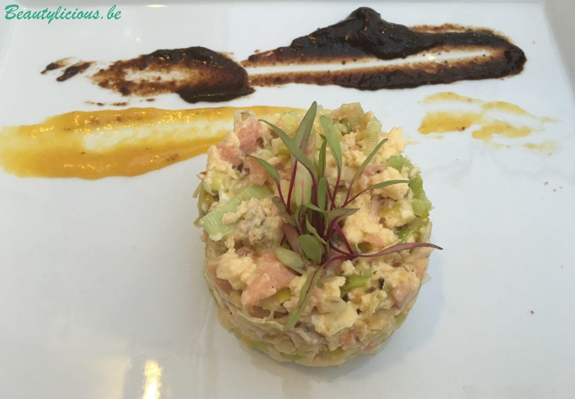 Tartare de saumon et poireaux