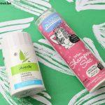 Battle de shampooings secs en poudre naturels : Secrets de Provence vs Alverde