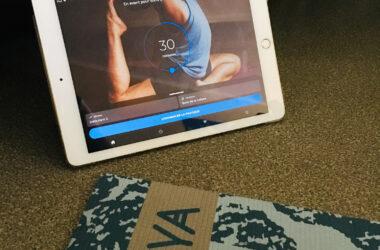 Pratique du yoga à domicile avec l'application Down Dog